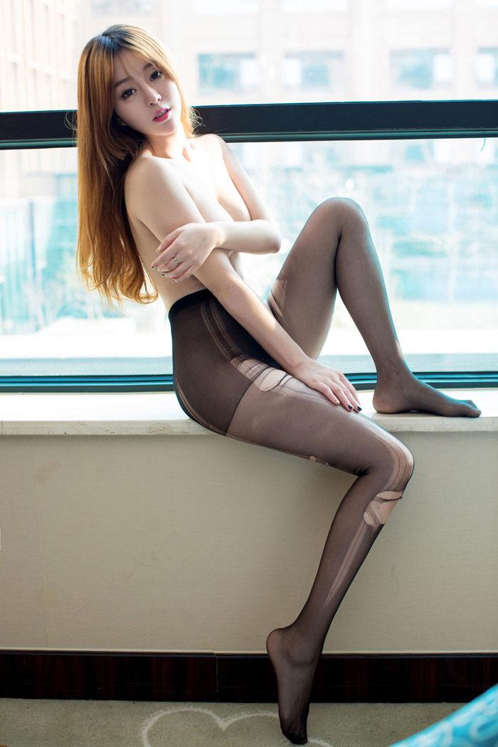 有看点:日本掰茓特写图 美女穿打底裤超薄图片【套图】