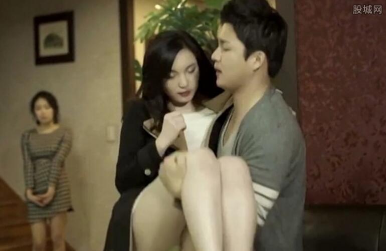 【快报】韩国伦理电影完整版《迷人的保姆》 与人妻激情性爱